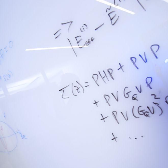 Advanced quantum algorithms for Hamiltonian simulation and